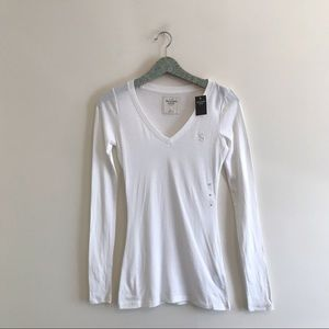 Abercrombie & Fitch | White V-Neck Tee